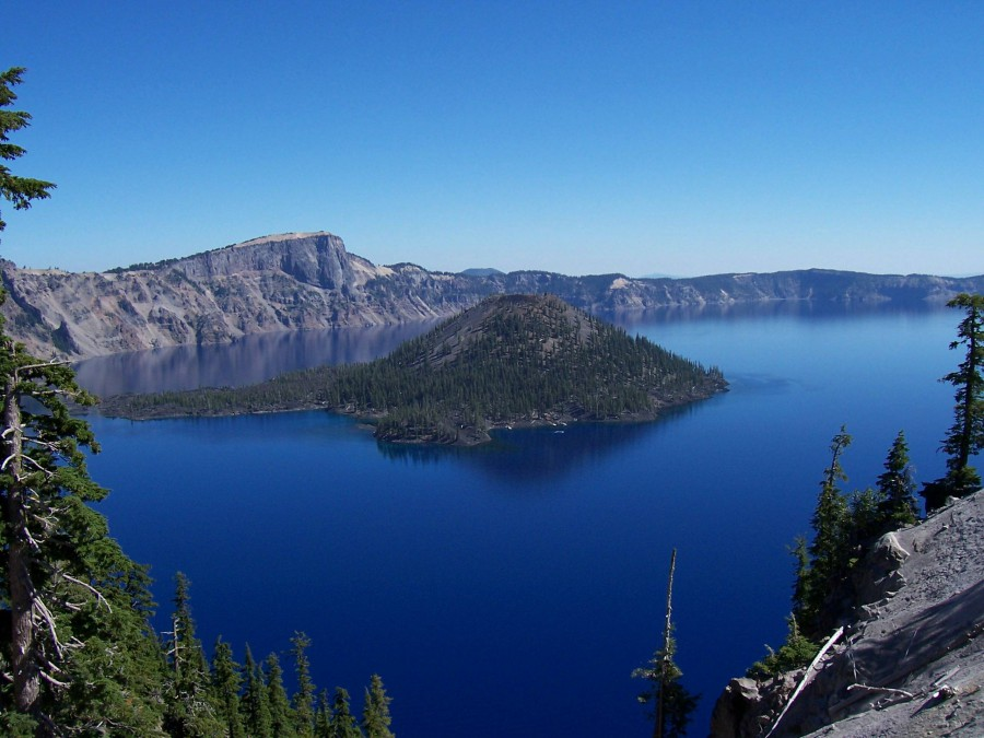 crater-lake-oregon-lago-nato-un-vulcano-esploso