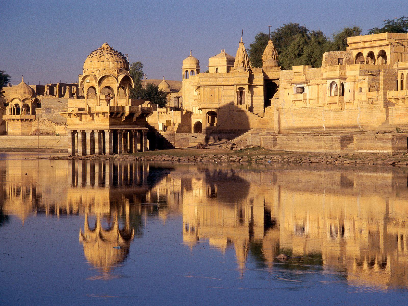 jaisalmer-la-citta-fortezza-al-confine-con-il-thar-il-grande-deserto-indiano-india