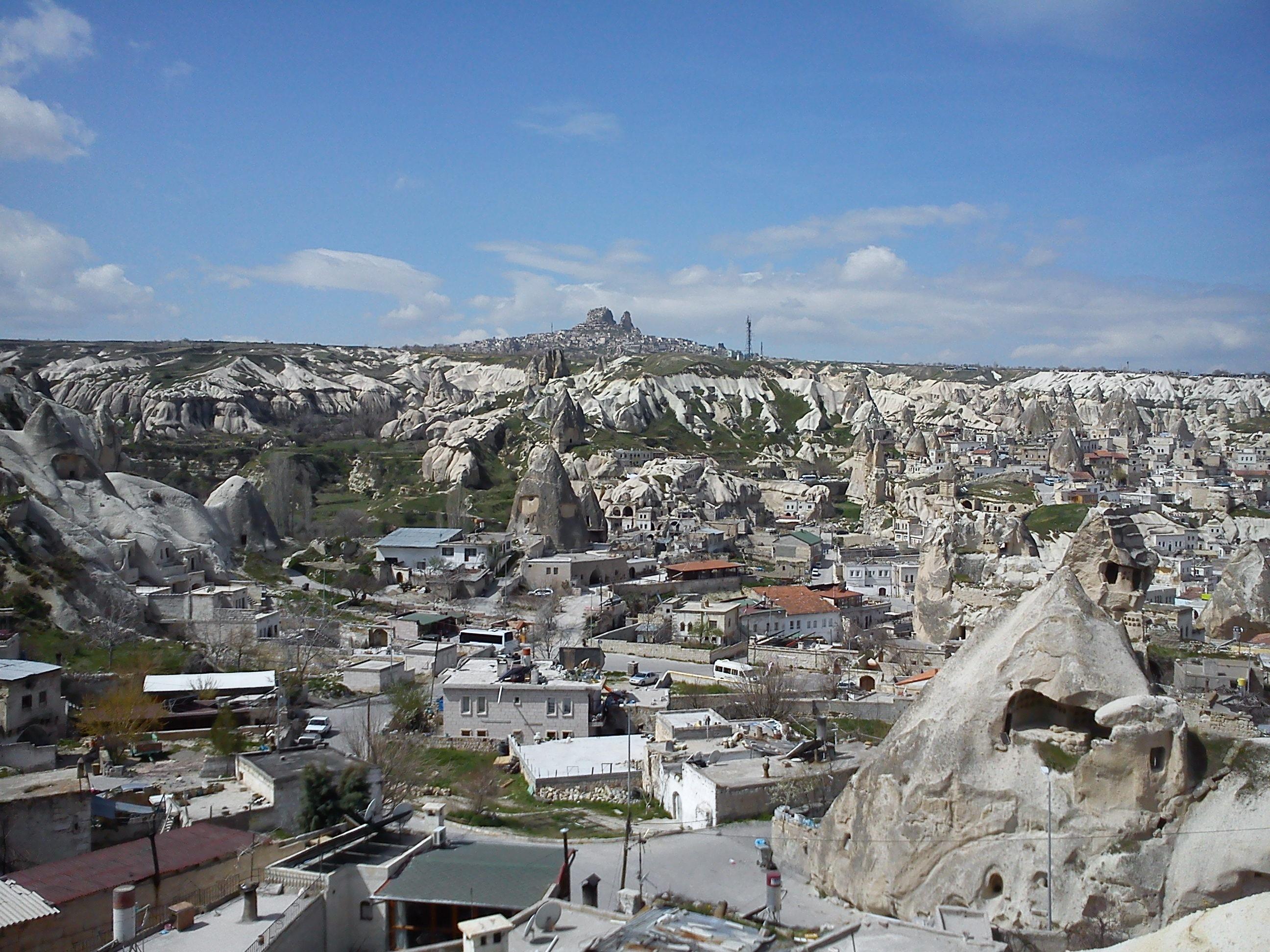 goreme-la-citta-scavata-nel-tufo-calcareo-cappadocia-turchia