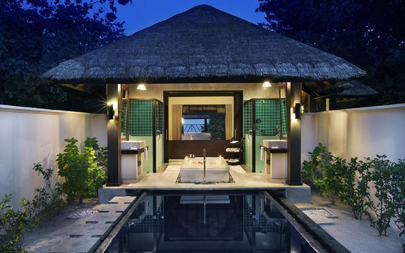 Hotel pi belli del mondo il ja manafaru nelle maldive for L hotel piu bello del mondo